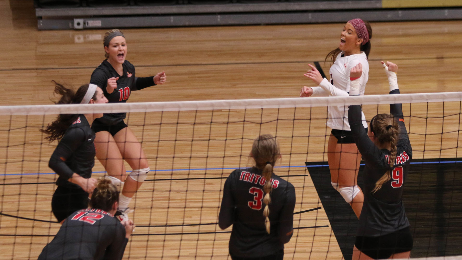 Offense Clicks as Tritons Sweep Past Maryville - UMSL Tritons Athletics